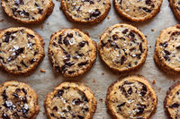 Thumb_salted_chocolate_chunk_shortbread_cookies